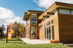Living in Luxury: Emerald Post And Beam, Open House, Lakes, Beautiful Homes, Emerald, Tours, Mansions, Luxury, House Styles