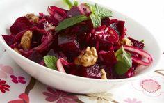 Salad with beetroots and walnuts - iCookGreek Greek Cooking, Fun Cooking, Healthy Cooking, Healthy Eating, Cooking Recipes, Greek Recipes, Light Recipes, Wine Recipes, Salad Recipes