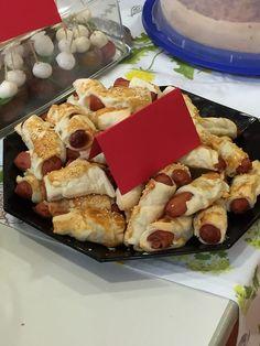 Pikante Würstchen im Blätterteig - Schlafrock, ein tolles Rezept mit Bild aus der Kategorie Fingerfood. 38 Bewertungen: Ø 4,4. Tags: Backen, einfach, Fingerfood, Schnell, Snack