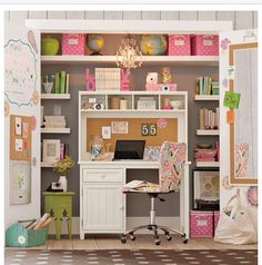 Cute desk for teens room