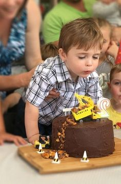 How to create a Construction Site cake - And Sew We Craft Truck Birthday Cakes, Creative Birthday Cakes, Lego Birthday Party, Boy Birthday Parties, Themed Parties, First Birthday Themes, Baby Boy First Birthday, 2nd Birthday, Birthday Ideas