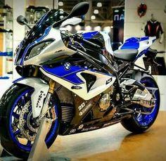 BMW at a show. Bike Bmw, Yamaha Bikes, Bmw Motorcycles, Motorcycle Types, Motorcycle Gear, Bmw Sport, Custom Sport Bikes, Ride Out, Bmw Boxer