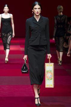Like a 40s Italian widow, in a good way. Dolce & Gabbana Spring 2015 RTW – Runway – Vogue