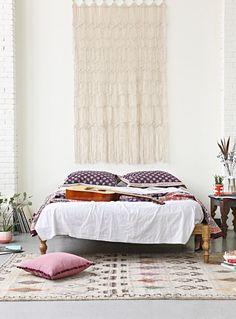 Seid ihr auch geistige Weltenbummler? Bekommt ihr auch Fernweh bei orientalischen Lampen, Decken mit Azteken Mustern und handgewebten Teppichen? Ich bin ein großer Fan von Kulturen und traditionell…