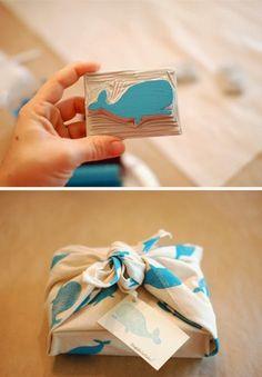 DIY Printed Fabric Gift Wrap with Handmade Whale Stamp Diy Stamps, Handmade Stamps, Hand Printed Fabric, Printing On Fabric, Plastic Fou, Furoshiki, Stamp Carving, Fabric Stamping, Stamp Printing