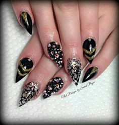 Ugh!! I need this lady to live in my town and do my nails!!