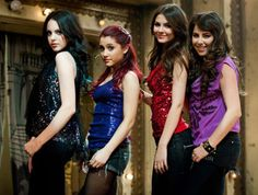 Victoria Justice, Ariana Grande, Liz Gillies, and Daniella Monet:)