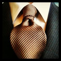 """The Balthus knot or also known as """"The Cousin of the Full Windsor"""" is a highly sophisticated knot, and is the largest, broadest knot of all. Tie Knot Styles, Bow Scarf, Dapper Dan, Collar Styles, Mans World, Tie Knots, You Are The Father, Men Looks, Moda Masculina"""