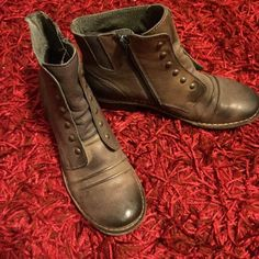 NWOB Vintage Look Flat Booties Brand new without box. Selling because I'm not crazy about the color on me. Vintage style with gathering on the front and a distressed grayish-taupe color. Size says 40 (US 10) but is narrow and fits more like 9 to 9.5. Brand is Kickers but listed differently for exposure. REAL LEATHER. ✌️❤️ Urban Outfitters Shoes Ankle Boots & Booties