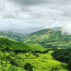 Breathe the clean, fresh air and feel the soft grass beneath your feet at Kudremukh, Karnataka. .  All credits to @dhruvaraj! Tag your pictures with #trellingbangalore to be featured. .  Find more amazing stories, only on Trell app. Link in bio. . . .  #beautiful #morning #bangalore #bangalorediaries #peace #sunrise #instacool #kudremukhnationalpark #sky #trekking #sunrise_sunsets_aroundworld #skyporn #natureporn #nature #naturelovers #landscape #picoftheday #instamood #instapic #natureporn…