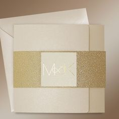 Modern Gold Wedding Invitations - Infinity Gold at Polina Perri #weddinginvitations #goldweddinginvitations #modernweddinginvitations #weddinginvitationsUK