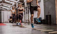 Je voeten, onderbenen, knieën, dijen, heupen, onderrug, romp en armen maken allemaal deel uit van je bewegingsketen bij het hardlopen en als een schakel het niet doet, kun je dat in alle andere delen van de keten merken.