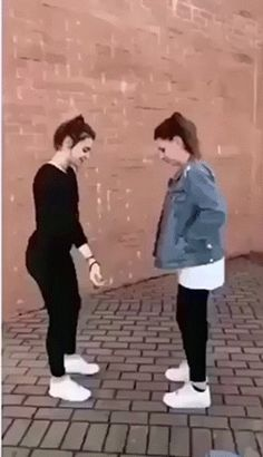 The difference between sisters and brothers – Gif