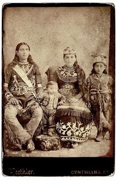 Historic Iroquois and Wabanaki Beadwork: The Iroquois and Wild West Shows - Jeanne Martin Native American Beauty, Native American Photos, Native American History, Native American Indians, Native Americans, American Symbols, Indian Tribes, Native Indian, Native Art