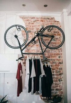 clothes-hanger-bicycle-rack - How to upcycle your old bicycle -