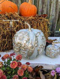 I've always loved fall, and fall decor is one of my favorite things to make!Every September, I go to Wal-Mart and grab about foam pumpkins of all differen… Pumpkin Topiary, Diy Pumpkin, Pumpkin Crafts, Fall Crafts, Pumpkin Carving, Metal Pumpkins, Plastic Pumpkins, Foam Pumpkins, Glass Pumpkins