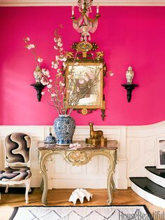 A bright pink entryway. Design: Jonathan Berger