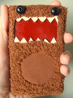 Step-by-step on making a Domokun iPod cover