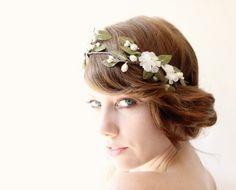 Bridal headband, Bridal crown, Vintage flowers, Ivory wedding head piece, Bridal hair wreath, Floral wedding crown