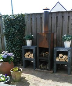 Outside Fire Pits, Wooden Pallet Projects, Outdoor Spaces, Outdoor Decor, Interior Garden, Backyard Projects, Rose Buds, Garden Inspiration, Garden Design