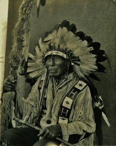 Wizi (aka Yellow Moon) - Yanktonai (Crow Creek Band) - 1909