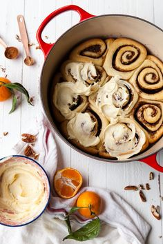 Overnight Eggnog Cinnamon Rolls with Orange-Vanilla Bean Glaze — Style Sweet Orange Cinnamon Rolls, Orange Sweet Rolls, Dinner Rolls Easy, Sweet Dinner Rolls, Cinnabon, Orange Recipes, Sweet Recipes, Cranberry Recipes, Holiday Recipes