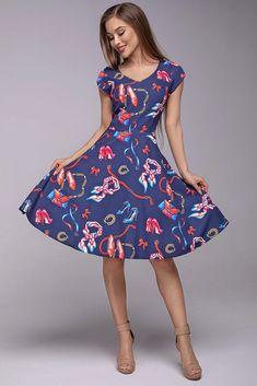 Krásné šaty, které si zamilujete pro jejich pestrý vzor s dámskými prvky - lodičkami, kabelkami, šátky, šperky. Vezměte je na svatbu, na večírek, do tanečních nebo ve všední den a všude budete IN. Tmavě modrý podklad s barevnými vzory, decentní výstřih, krátký rukáv, sukně rozšířená do A, boční kapsy, zapínání na zip v zadní části. Můžete doplnit spodničkou z naší nabídky. Materiál 95% polyester, 5% elastan. Vintage, Style, Fashion, Gowns, Swag, Moda, Fashion Styles, Vintage Comics, Fashion Illustrations