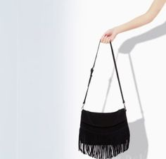 Crush of the moment: Zara fringe messenger bag
