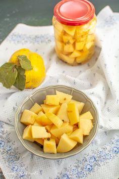 Gutui in otet Cantaloupe, Fruit, Food, Canning, Meal, The Fruit, Eten, Meals
