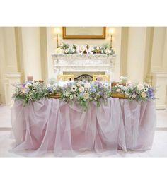 画像に含まれている可能性があるもの:花 Wedding Table Decorations, Wedding Arrangements, Flower Arrangements, Gray Weddings, Bridesmaid Dresses, Wedding Dresses, Banquet, Wedding Planning, Wedding Ideas