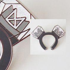 Monsta X Headband Enamel Pin Enamel Paint, Metal Pins, Cute Pins, Black Rubber, Monsta X, Pin Collection, Plating, Flaws, Note