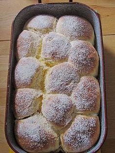 Bayerische Rohrnudeln mit Zuckerkruste, ein schönes Rezept aus der Kategorie Süßspeisen. Bewertungen: 22. Durchschnitt: Ø 4,4.