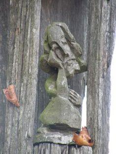 Wólka Poduchowna. Kapliczki słupowe i drewniane krzyże w podlaskim krajobrazie | Opiekun ogrodów's Weblog