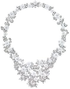 A creation of #elegance. This #PiagetRose #necklace in white gold, diamonds and chalcedony is truly unique.