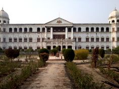 Hathwa Palace,Staying here for a boot camp..