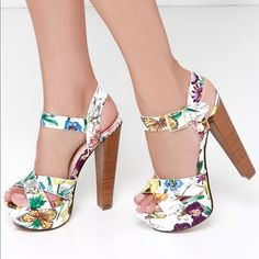 Lulu's Floral Platforms New in box!❣ Lulu's Shoes Platforms