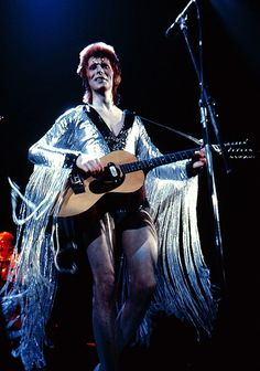 """Ziggy played guitar: David Bowie at Earls Court, 1973 "" David Bowie Starman, David Bowie Ziggy, David Bowie Art, David Bowie Fashion, Ziggy Played Guitar, Aladdin Sane, The Thin White Duke, Goblin King, Major Tom"