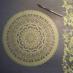 Encore un peu de travail... Bon vendredi à toutes et à tous! ☆☆☆☆☆☆☆☆☆☆☆☆☆☆☆☆☆ #Mix #mandala #workinprogress #mandalala #Art_Spotlight #magicgallery #paper #papercut #paperart #papercuttingart #papercraft #handcut #handdrawn #madeinfrance #dijon #art #artist #instaart #instaartist #artwork #wallart #walldecor #design #love #life #madecoamoi #concentration #zentangle #inspiration
