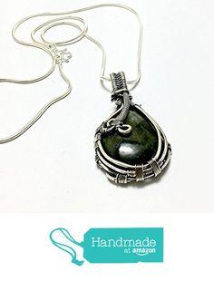 silver labradorite pendant necklace from psjewelryart https://www.amazon.com/dp/B0723D8FWF/ref=hnd_sw_r_pi_dp_yYiFzbWTT0QGX #handmadeatamazon