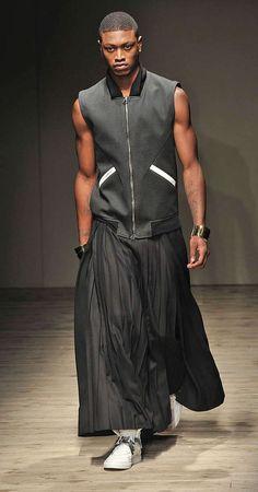 Fashion's Last Taboo - The Fujiwara Fall/Winter 2010 collection embraces fashion's last taboo: men in skirts. Guiliana Fujiwara and Gareth Pugh advocate the appropri...