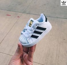 Fashion Adidas Shoes on – Baby Fashion Cute Baby Shoes, Baby Boy Shoes, Cute Baby Clothes, Baby Boy Outfits, Girls Shoes, Baby Boy Clothes Nike, Toddler Girl Shoes, Adidas Moda, Mode Adidas