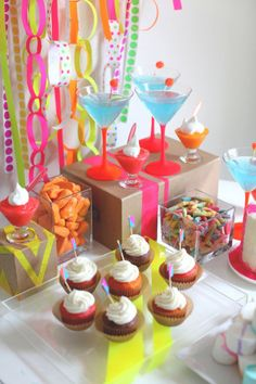 """17 Fun Party Themes for Any Ocassion - Style Me Pretty Living - """"Neon"""" 60s Party, Neon Party, Party Time, Neon Birthday, Birthday Parties, Animal Birthday, Fun Party Themes, Party Ideas, Theme Parties"""