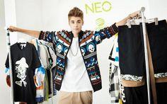 """Nesta primeira campanha, chamada de """"Live Your Style"""", Justin aparece todo fofo usando roupas com estilo mais street!"""