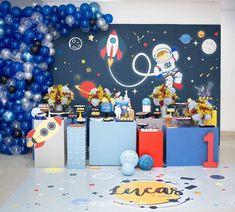Astronauta!🌏🚀 Decor @kiaravieiramartinsdecor - Astronauta para o primeiro aninho de Lucas 💙 Registros sempre lindos de… 2nd Birthday Party Themes, 1st Boy Birthday, Astronaut Party, Outer Space Party, Race Party, First Birthdays, Ideas, Toddler Boy Birthday, Baby First Birthday