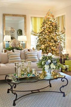 ZsaZsa Bellagio: Pretty Christmas Inspiration, except the old doll by the tree for me Christmas Living Rooms, Christmas Room, Noel Christmas, All Things Christmas, Christmas Colors, Christmas Tree On Table, Christmas Coffee, Green Christmas, Christmas Morning