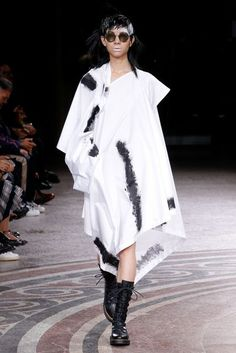 Yohji Yamamoto Spring/Summer 2017 Ready to Wear Collection | British Vogue