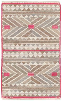 A Swedish Flat Woven carpet (Sverige matta) Textiles, Textile Patterns, Textile Design, Print Patterns, Pink Beige, Grey, Pink Rug, Floor Rugs, Home Textile