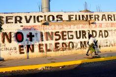 En enero, un secuestro cada cinco horas; Edomex despunta con 52 casos Pintan bardas en el Edomex en contra de la delincuencia. Foto: David Deolarte