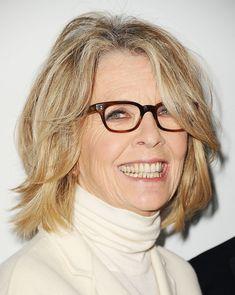 Diane Keaton haja pont attól olyan dögös, hogy mindig úgy fest, mintha most ébredt volna