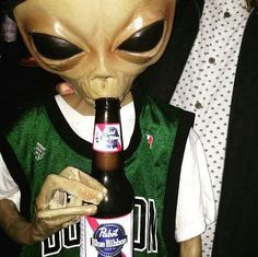 apparently aliens like Pabst Blue Ribbon beer